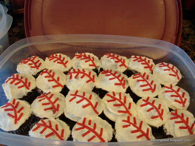 Baseball cupcakes @mylearningtable.com
