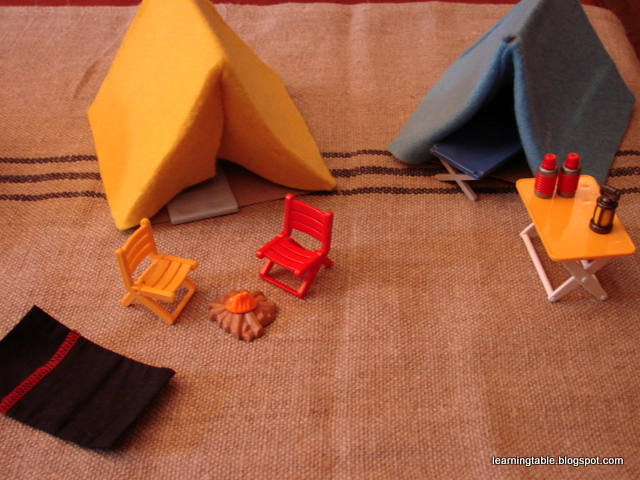 Craft diy cereal box tents learning table for Playmobil basteln